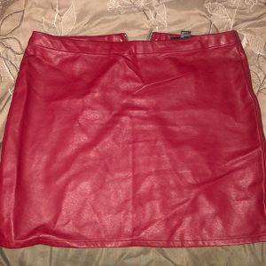 Stretch Leather Skirt (red)